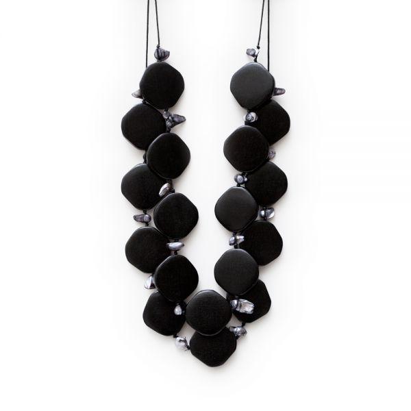 Dekorative schwarze Holzkette