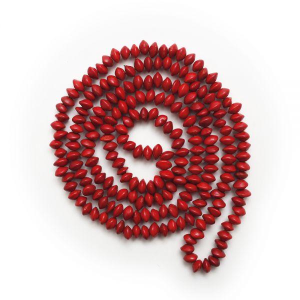 Lange, rote Samenkette