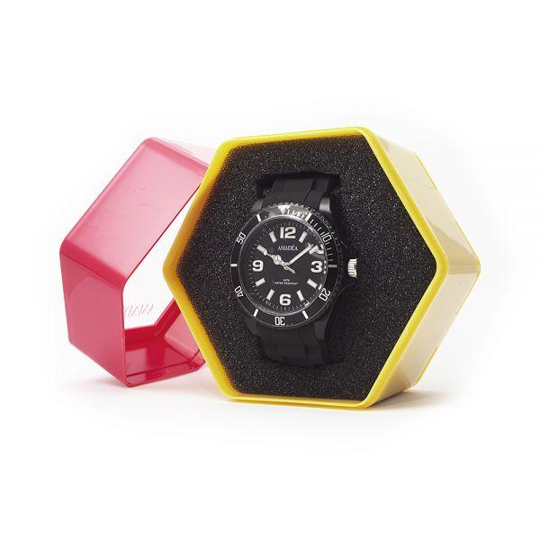 Schwarze Uhr der Marke Amadea in Geschenkverpackung