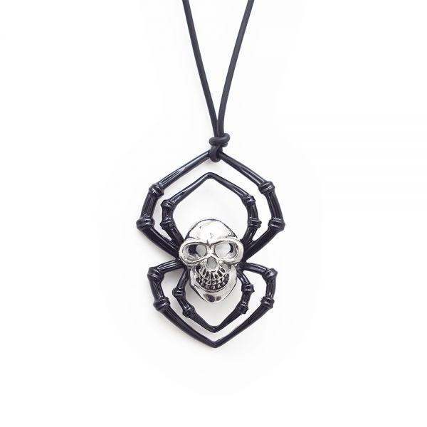 Halskette mit schaurigem Anhänger