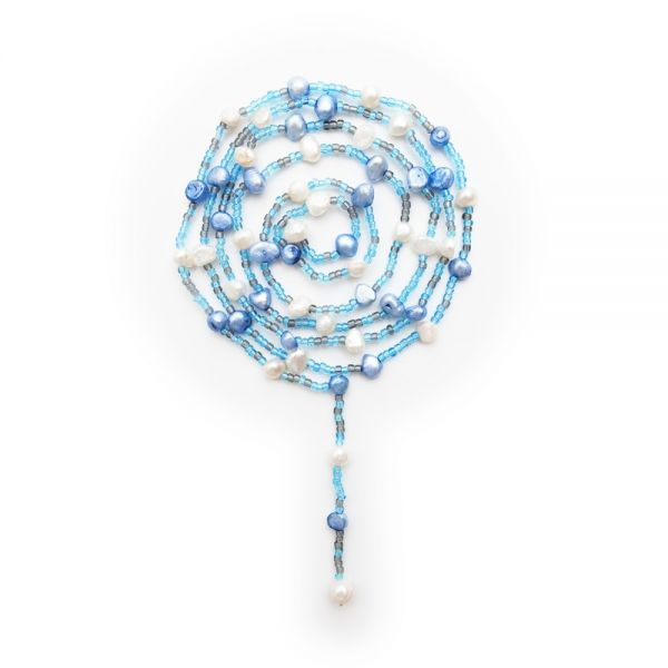 Trendige Lassokette mit verschiedenen Perlen